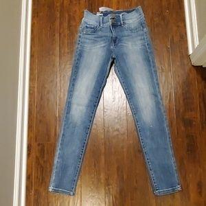 New SOHO high waist legging jeans. Size 6. Ny&Co